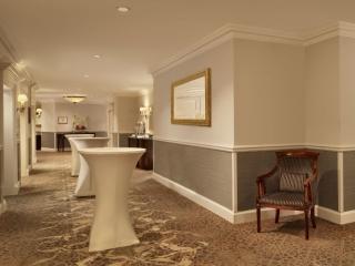 Mezzanine Level – pre-function area Banking Hall