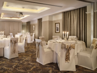 Small Weddings Dublin -The Guinea and Florin – Banquet Style