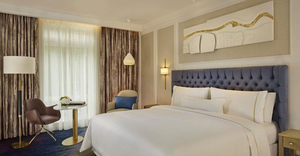heritge deluxe king room